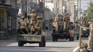 Pakistani troops in Bannu (file picture)