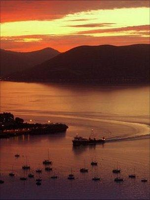 Dunoon ferry, picture courtesy of David Blackwood from Johnstone