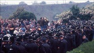 The police and striking miners at Orgreave coke depot in Yorkshire in 1984
