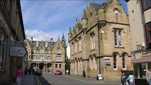 Tain High Street [Pic, courtesy of Undiscovered Scotland]