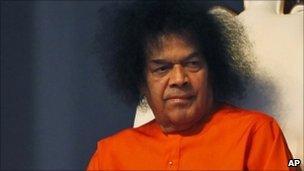 Satya Sai Baba Trust 'has $190m cash reserves' - BBC News