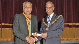 Brigadier Muslim Salamat with Woking Mayor Mohammed Iqbal