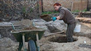 Anna West, Suffolk Archaeological Service