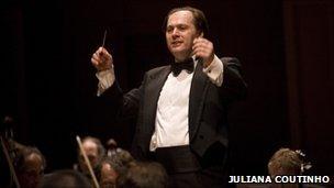 Brazilian Symphony Orchestra split over auditions - BBC News