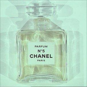 Chanel No 5 The Story Behind The Classic Perfume Bbc News