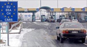 Serbian border crossing with Hungary, an EU member