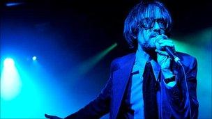 Jarvis Cocker on stage in 2009