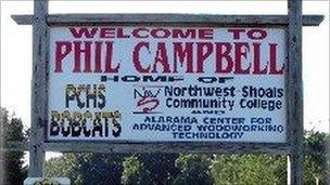 Welcome to Phil Campbell sign in Phil Campbell, Alabama