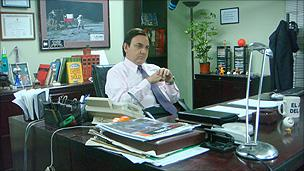 Manuel in Chile's The Office