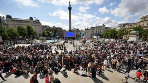 Fans camping out ahead of Potter premiere in Trafalgar Square