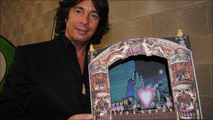 Laurence Llewelyn-Bowen with his Theatre d'Amour Illumination