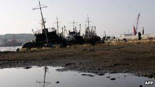A picture taken 30 September 2006 shows Russian fishing-boats docking at the port of Korsakov on Russia's far eastern island of Sakhalin