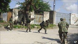 AU troops in combat in Mogadishu (July 2011)