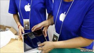 Fake Apple store workers, Reuters