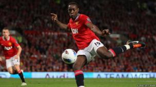 Manchester United 3-0 Tottenham - Danny Welbeck shoots