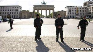 Police at the Brandenburg Gate, Berlin (file photo)