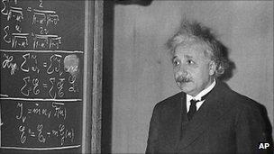 Albert Einstein in Pittsburgh on 28 December 1934