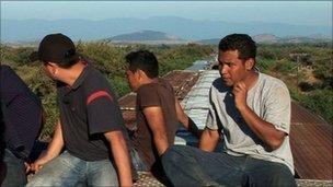 "Migrants on top of ""La Bestia"""