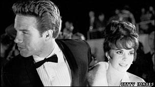 Wood, with Warren Beatty at the Academy Awards in 1962