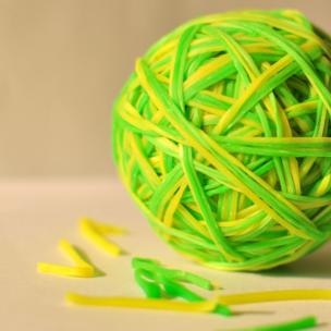 An elastic band ball