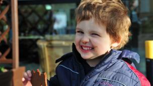 Feaghas eating a gingerbread man