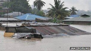 Roofs of houses hit by flooding in Dar es Salaam, Tanzania (Photo from JamiiForums)