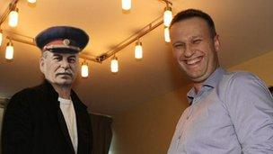 Pastiche photo showing Alexei Navalny (right) with Josef Stalin