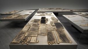 Gwaith Sheela Gowda o India Gwobr Artes Mundi 5 (2012)