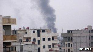 Smoke rising from Damascus suburb of Erbeen (29 Jan 2012)