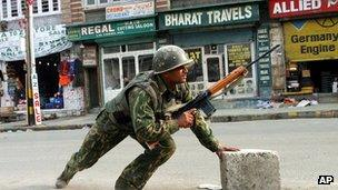 File picture of Indian soldier in Kashmir