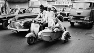 Family on a scooter (Photo: Pablo Bartholomew)