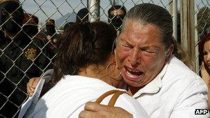 Relatives of inmates waiting for news from Apodaca prison
