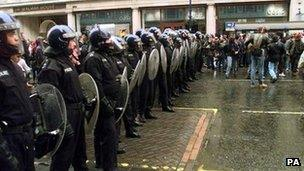 Kettling on May Day 2001