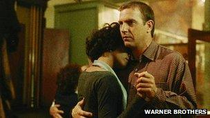Still of Whitney Houston and Kevin Costner in The Bodyguard