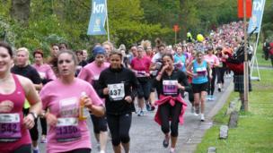 Runners in the Women's 10K