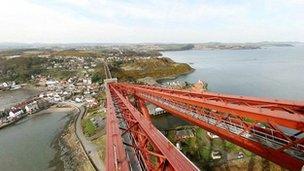 360 degree view of the bridge