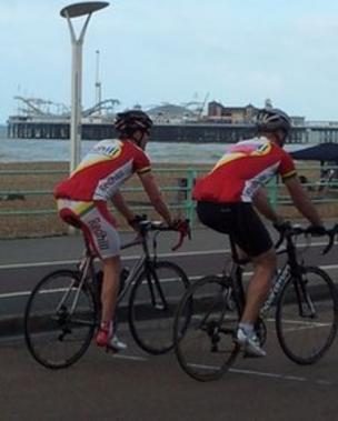 1ece1d3235e London to Brighton bike ride attracts 27,000 cyclists - BBC News
