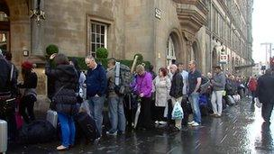Queues at Glasgow Central