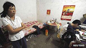 Parents in China rent apartments near schools as university exams approach