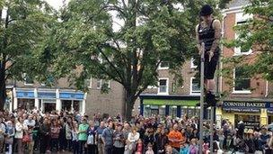 Rob Roy Collins performing in Kings Square, York