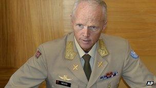 Maj-Gen Robert Mood in Norway (20 July 2012)