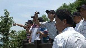 Chinese officials and travel agents in Matsu