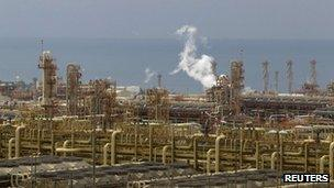 Iranian natural gas complex at Asaluyeh (file)