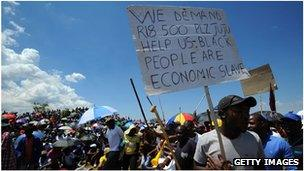 Striking workers at the Anglogold mine in Carletonville