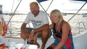 Stephen Jones a Tanya Davies