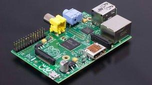 Google to give schools Raspberry Pi microcomputers - BBC News