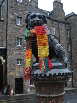 Greyfriars Bobby with knitted scarf