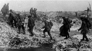 british soldiers along the river somme in late 1916 - Wwi Christmas Truce