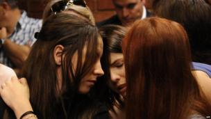 Aimee Pistorius (left) in court in Pretoria, 21 February 2013