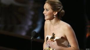 Jennifer Lawrence accepts Oscar.